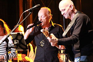 Pop Plinn - Alan Stivell and Dan ar Braz at the electric guitar.