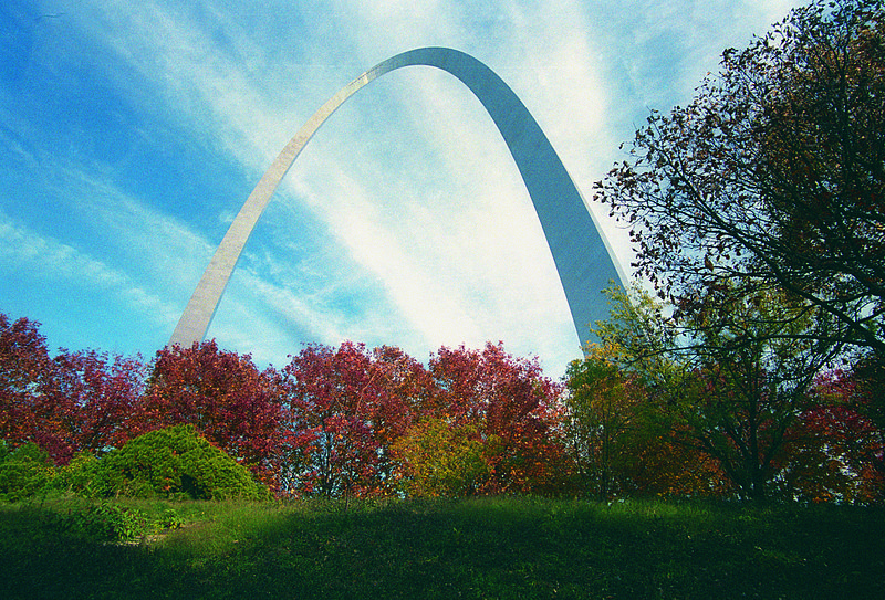 File:Fall at the Arch grounds (5244769146).jpg