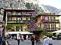 Famous Limone balconies - panoramio.jpg