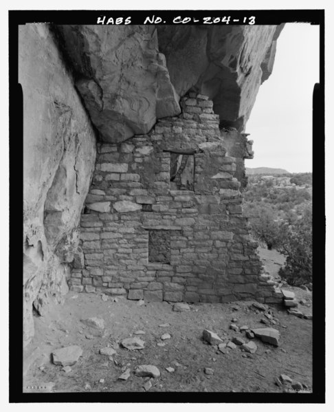 Feature 1, Room C, east interior wall looking east-northeast - Serpents Quarters Pueblo, Approximately 2 miles north of County Road G, Cortez, Montezuma County, CO HABS CO-204-13