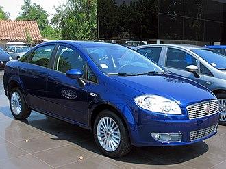 Fiat Linea - Image: Fiat Linea 1.4 T Jet Dynamic 2010 (16452173783)