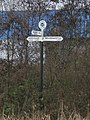 Fingerpost for canal cruisers - geograph.org.uk - 1084255.jpg