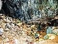 Fond, côté gauche, de la grotte.jpg