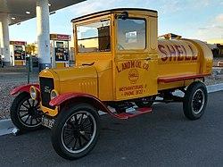 60fc40795eeb95 Ford Model TT. From Wikipedia ...