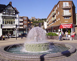 Fountain and Castle Dover.JPG