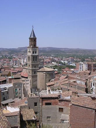 Bajo Cinca/Baix Cinca - View of Fraga with Saint Peter's church in front