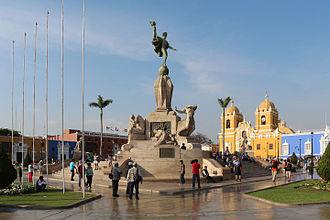 Trujillo, Peru - Image: Freedom Monument, Trujillo