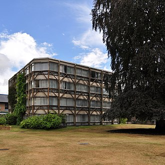 Alison and Peter Smithson - Garden building, St Hilda's College, Oxford (1968)