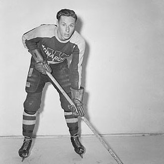 George Robertson (ice hockey) - Robertson with the Winnipeg Monarchs