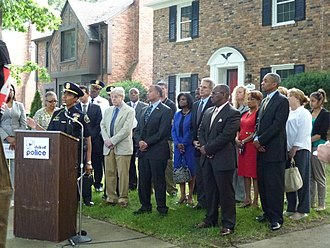 Manhattan Institute for Policy Research - George Kelling stands with leaders of the Detroit Police Department and other local officials at a press conference in 2013. The Department partnered with Manhattan Institute for new ways to protect the neighborhoods in the area.