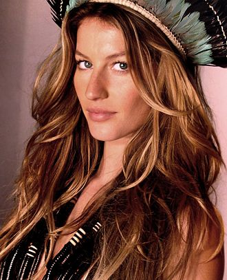 Victoria's Secret Fashion Show 2005 - Image: Gisele Bündchen 2006