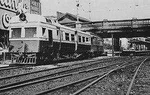 Barrack Street Bridge - Image: Governor class leaving Perth Railway station 1930s