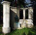 Grabmal Hauptfriedhof Erfurt.jpg