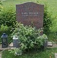 Grave Decker Karl.jpg