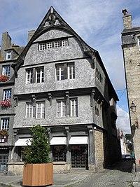 Guingamp (22) Place du Centre N°48.JPG