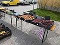 Gyümölcsös stand a piacon, Fő utca, 2018 Visegrád.jpg