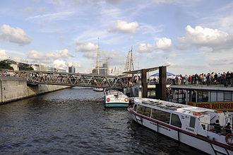 St. Pauli Piers - Shipping pier