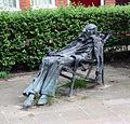 Hans Mes - man in ligstoel.jpg
