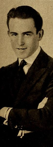 File:Harold Lloyd, 1918.jpg
