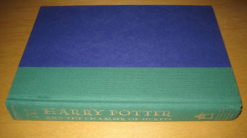 Harry Potter Book 2, 1st American ed. without dust jacket.JPG