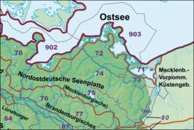 Die Nordostdeutsche Seenplatte mit der Mecklenburgischen Seenplatte (75) und ihrem Rückland (74)