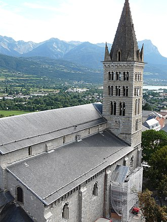 Embrun Cathedral - Image: Haut ND embrun