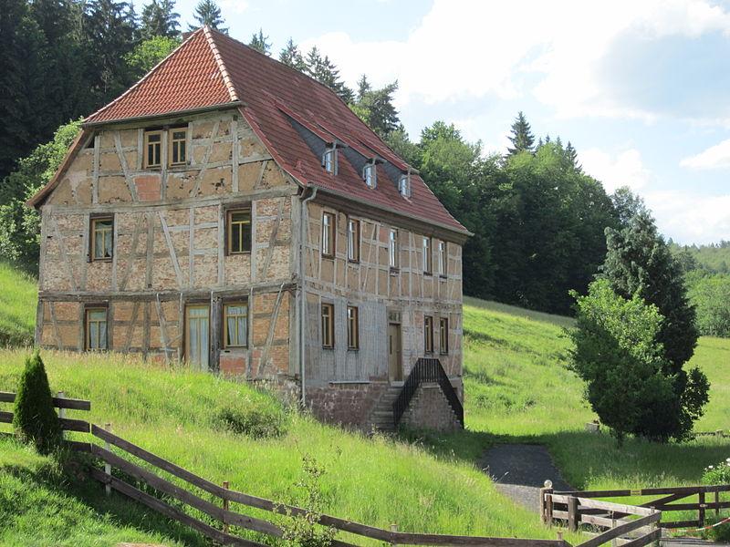 Datei:Herrenhaus Glashütte Emmerichsthal.JPG