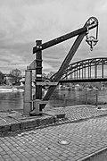 Historischer Lastkran Weserbrücke Rinteln an der Weser.jpg