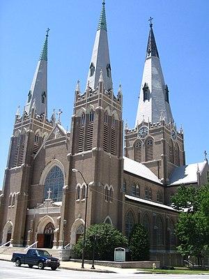 Holy Family Cathedral (Tulsa, Oklahoma) - Image: Holy Family Tulsa