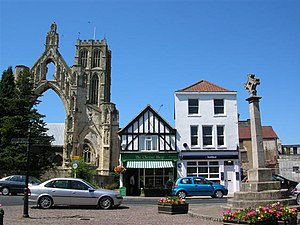 Howden - Image: Howden Minster and Market Cross geograph.org.uk 202928