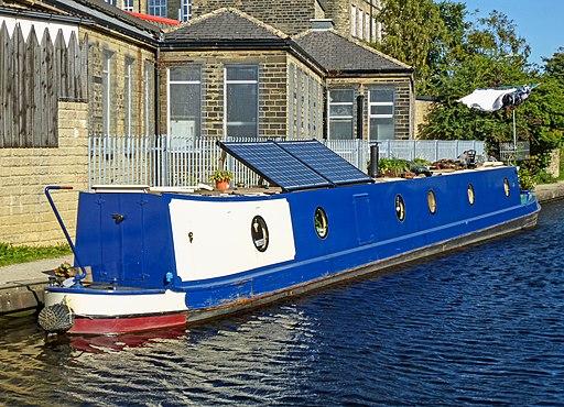 Huddersfield Narrow Canal, Slaithwaite (10075536326)