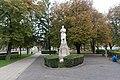 I. világháborús hősi emlékmű (Finta Sándor, 1917), Hatvan Kossuth tér - panoramio (9).jpg