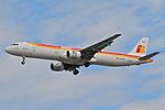 IBERIA Airbus A321-211, EC-HUH@LHR,05.08.2009-550dz - Flickr - Aero Icarus.jpg