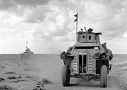 IWM-E-6820-Marmon-Herrington-19411028.jpg