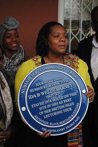 Ida B. Wells - Lord Mayor of Birmingham Yvonne Mosquito, with the Edgbaston blue plaque, February 12, 2019