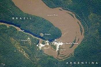 Iguazu falls wikipedia distribution of the falls between argentina and braziledit ccuart Images