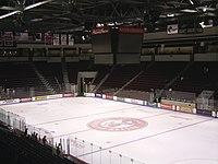 جامعة بوسطن 200px-Inside_Agganis_Arena