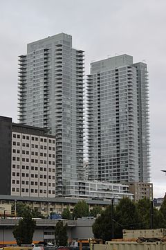 Insignia Towers, Seattle.jpg