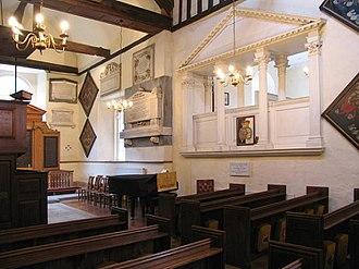 St George's Church, Esher - Image: Interior, St. George's, Esher