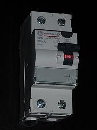 Interrupteur différentiel 30 mA de type A avec un pouvoir de coupure de 40 A