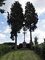Iviers (Aisne) croix de chemin.JPG