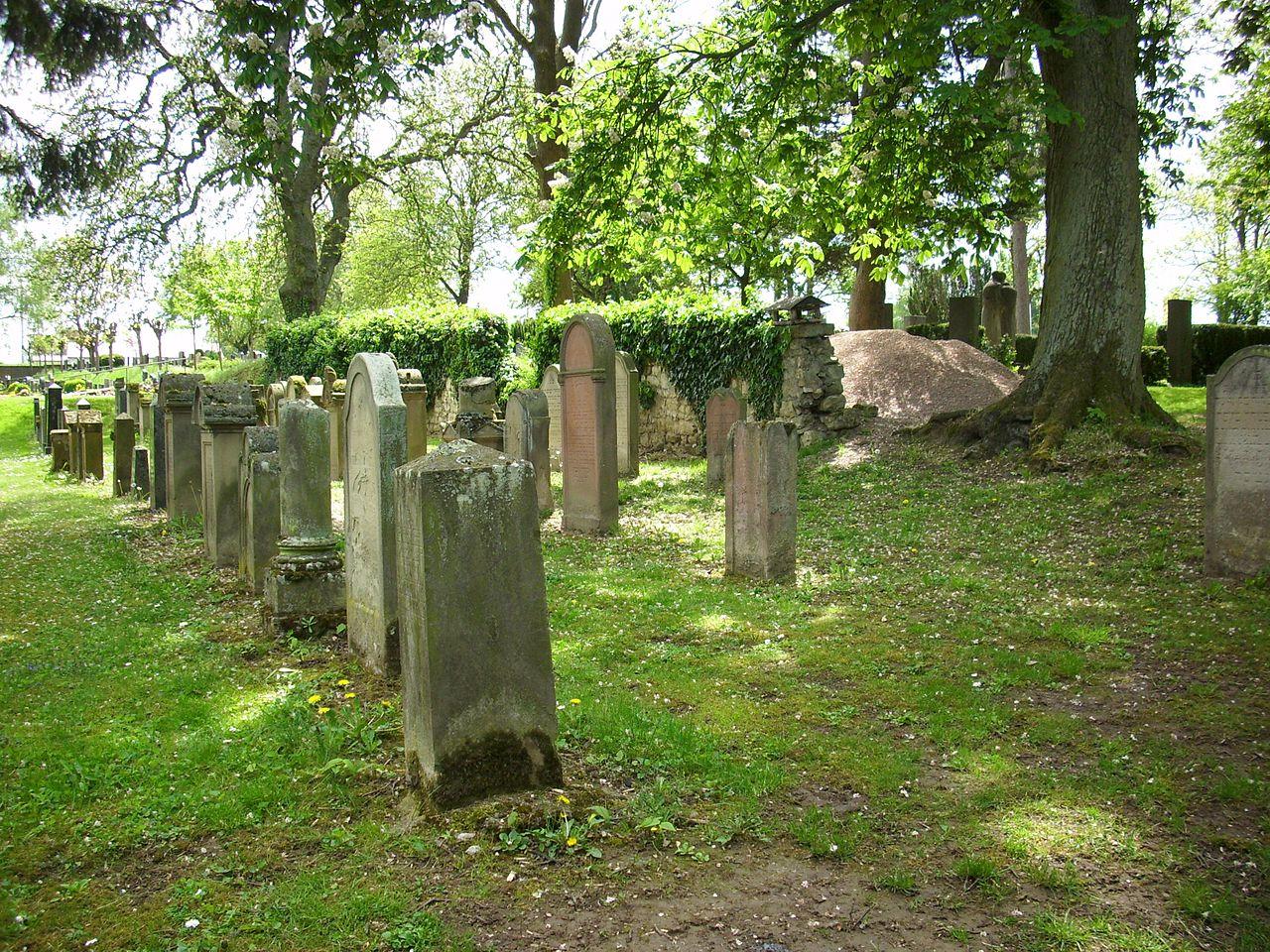 Jüdischer Friedhof Schornsheim 2.JPG