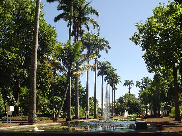 Talaksan jardin de letat saint denis 2855616910 jpg - Mobilier jardin cdiscount saint denis ...