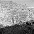 Jeruzalem, Kedrondal. Gezicht vanuit de oude stad op het Kedrondal met de Weg d…, Bestanddeelnr 255-1650.jpg