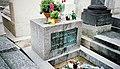 Jim Morrisons Grave, Père Lachaise Cemetery, Paris, France 2004-03-14.jpg