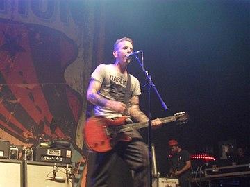85edb8e659 Jonny Wickersham during a Social Distortion concert in Tilburg in 2012