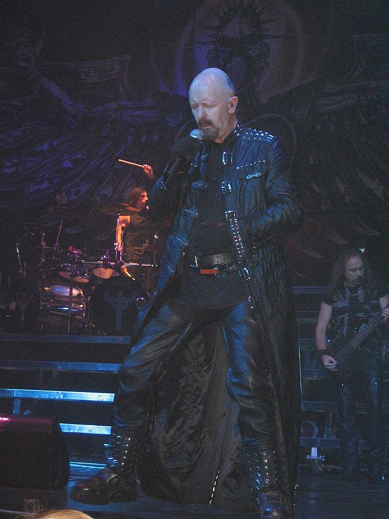800px-Judas_Priest_Retribution_2005_Tour_Rob_Halford2.jpg