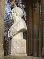 Křivoklát, pomník Karla Egona II., busta ze strany.jpg