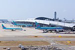 "Kansai Airport terminal 1 ,from the top of observation hall ""sky view"" (16041786233).jpg"