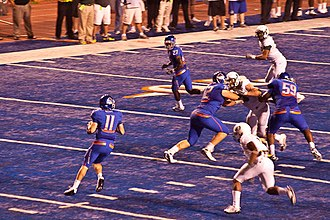 2009 Boise State Broncos football team - Boise State on offense during the first quarter.